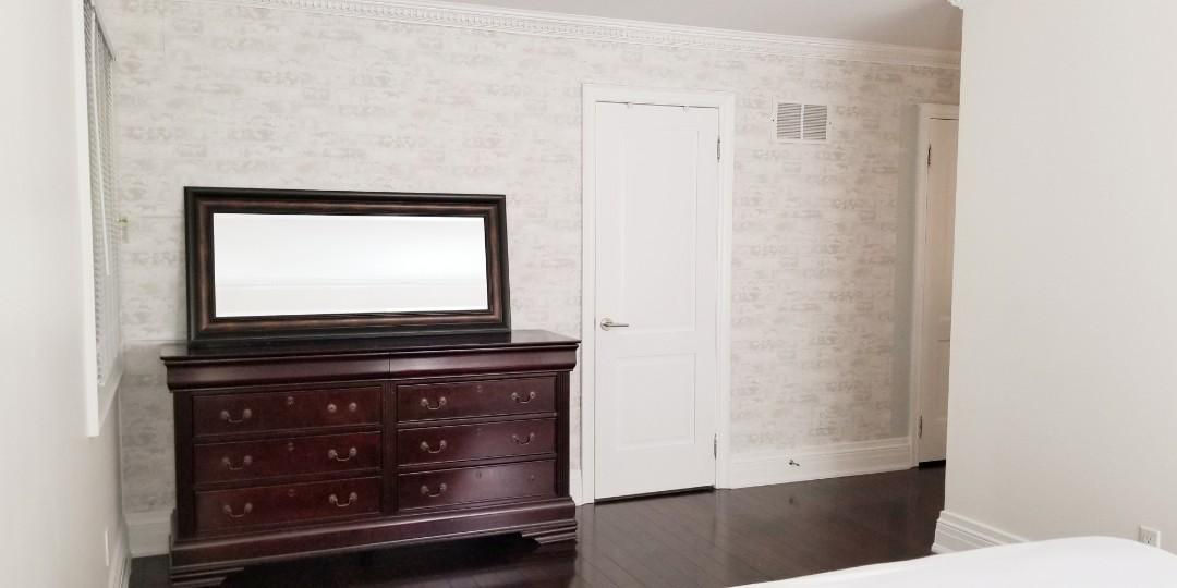 Large bedroom with walk-in-closet available Feb 1st.