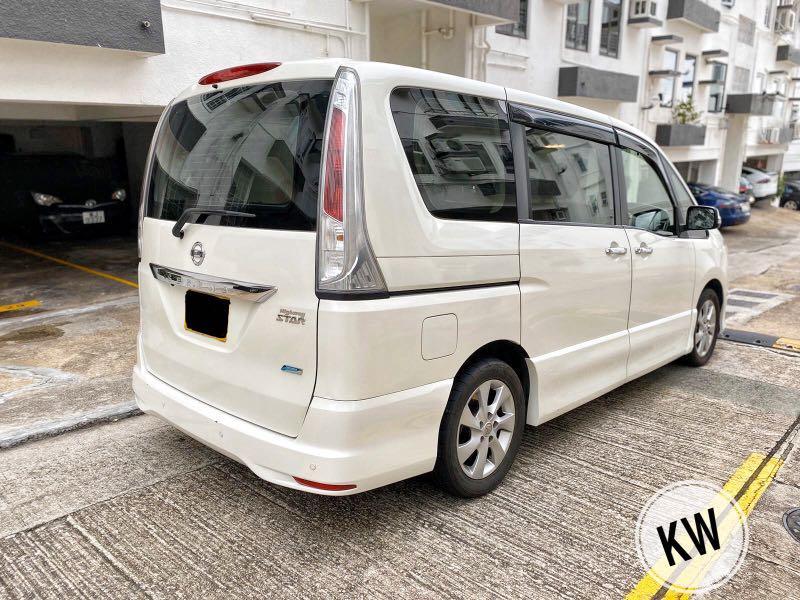 Nissan Serena 租車 日租 八人車 Auto