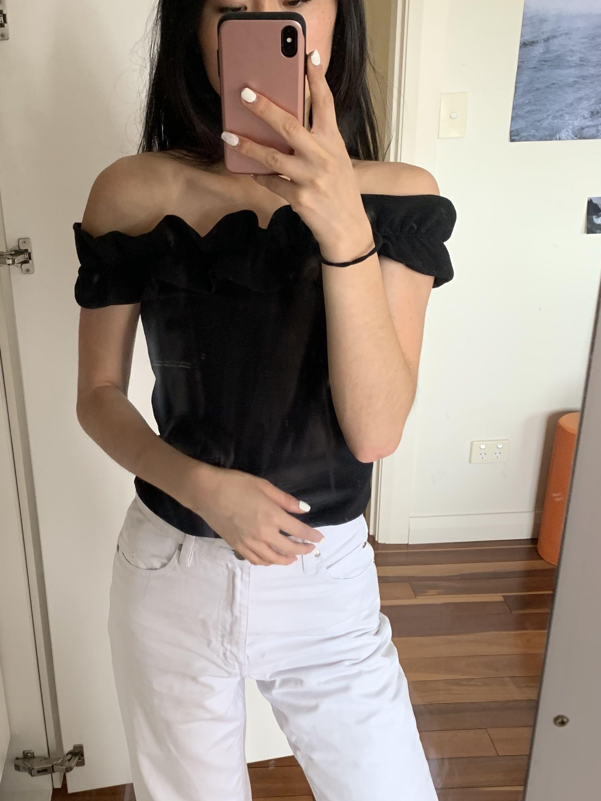 Seed ruffle hem off the shoulder black ribbed top size XS