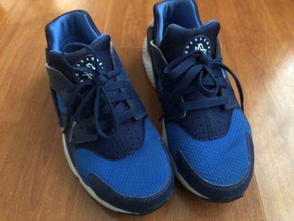 Nike Huarache 5.5Y US or 6.5 US Womens