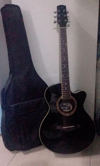 吉他 9成新 很少用 有意私自取