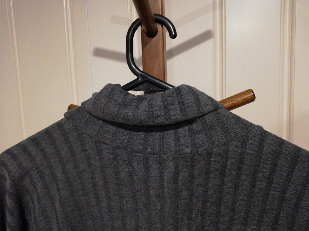 8/S - Boohoo - Grey Ribbed Turtleneck Sweater Dress