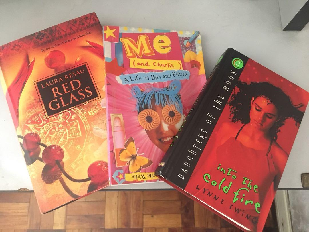 Books Set: Into the cold fire (Lynne Ewing), Red Glass (Laura Resau), Me and Charlie