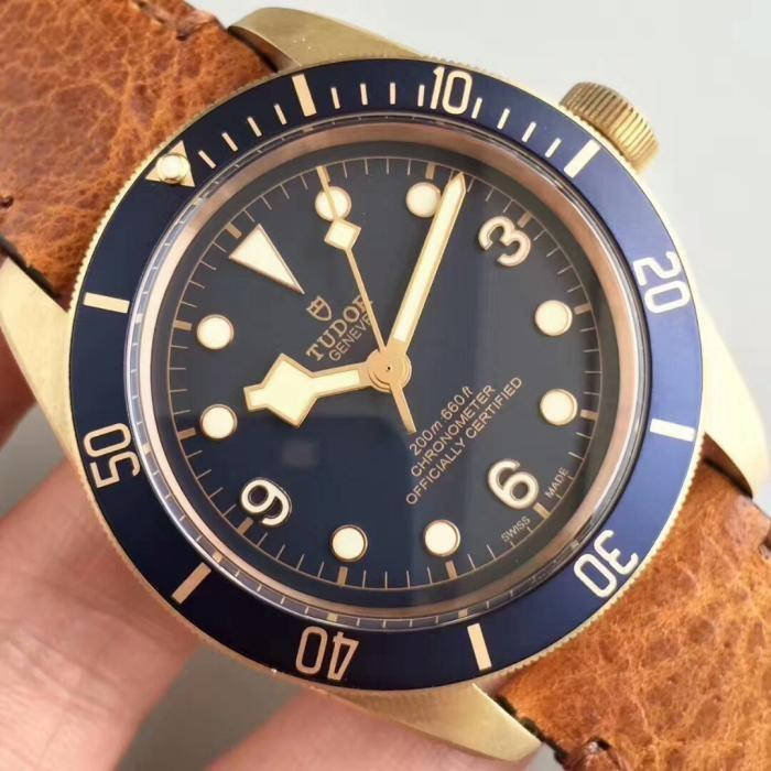 💥BUY WATCH, FREE SNEAKERS💥XF Factory V4 Tudor Heritage Black Bay Bronze M79250BB Bronze Blue dial
