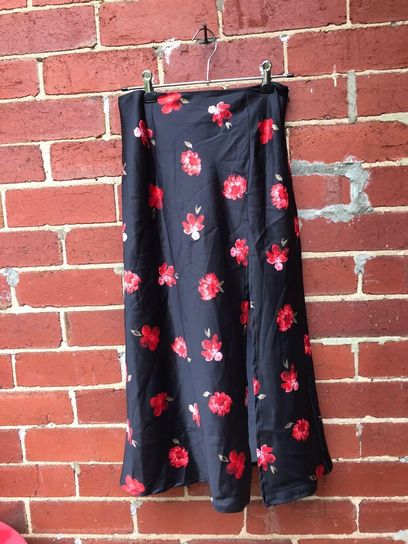 NEW with tags Black rose midi satin skirt size XS 6