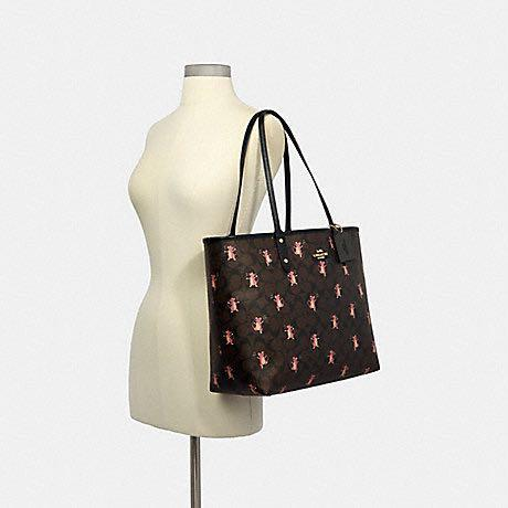 (Preorder &fixed$) REVERSIBLE CITY TOTE IN SIGNATURE CANVAS WITH PARTY MOUSE PRINT (COACH F80231)