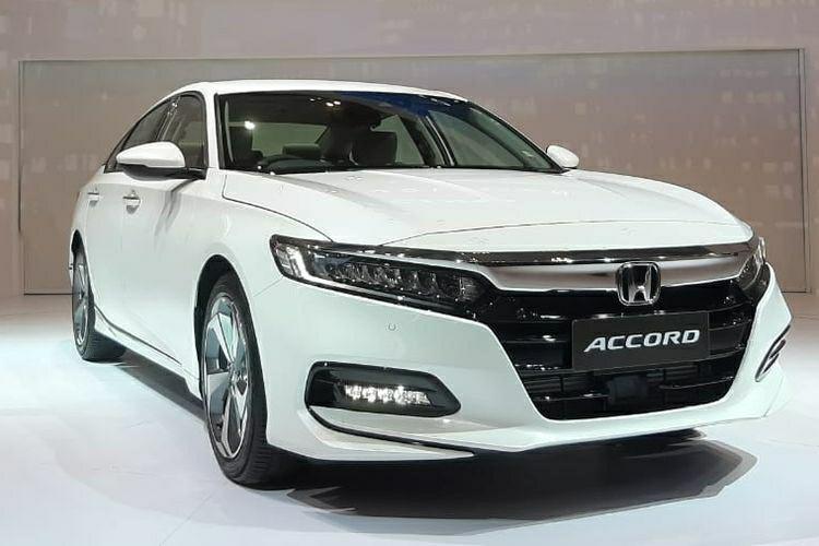 Ready Honda Accord 2019 Silver & Putih. Spesial Price