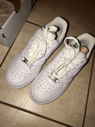 Women's Air Force 1 '07 Size 6