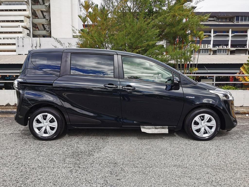 Brand New Toyota Sienta 1.5 X Hybrid ( New Facelift )