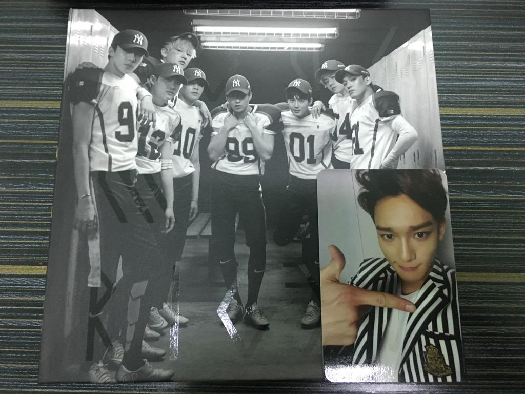 EXO 2nd Repackage Love Me Right Chinese Ver.(with photocard)