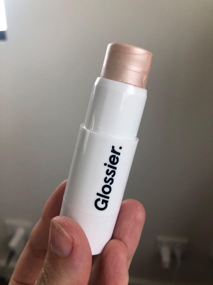 Glossier Haloscope Dew Effect Highlighter in shade Quartz