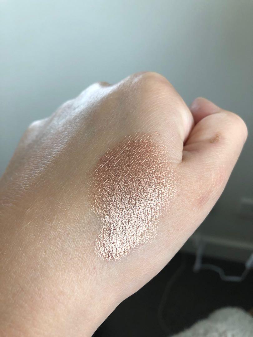 Marc Jacobs Beauty, Dew Drops Coconut Gel Highlighter (limited edition)