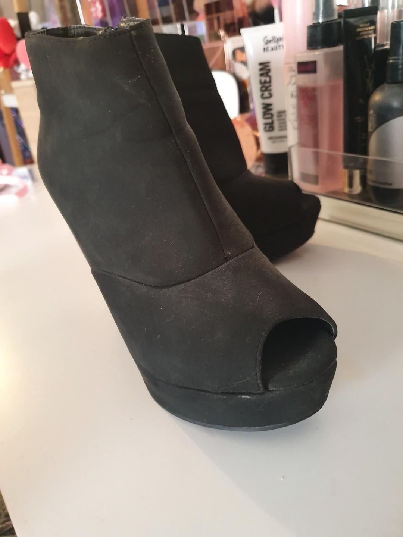 Size AU 5 / EUR 36 / UK 3 / US 5 Women's Camel Peep toe Wedge