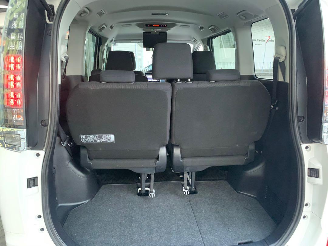 Toyota Voxy 1.8 Hybrid X 7-Seater (A)