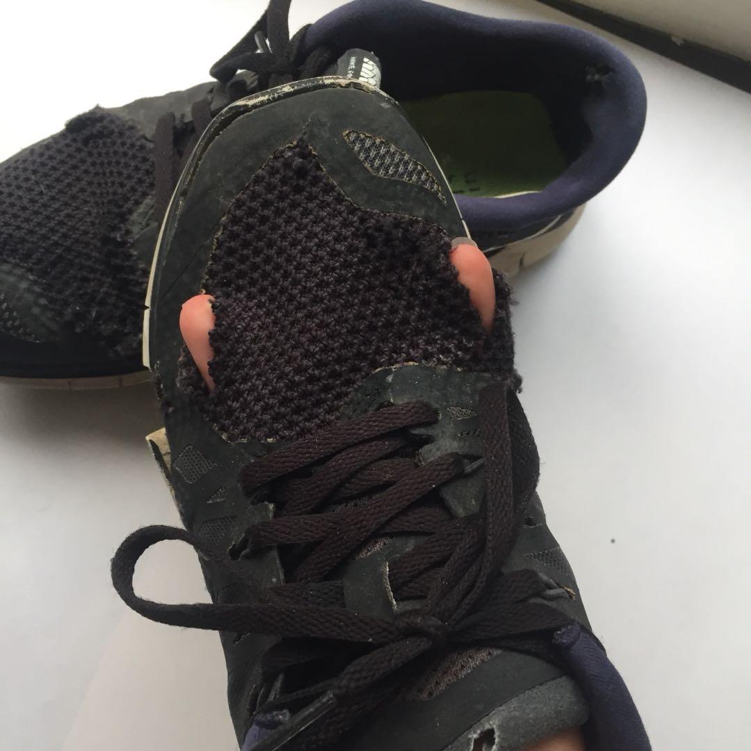 TRASHED Nike Free Run 5.0 shoes - women's size AUS 7.5.