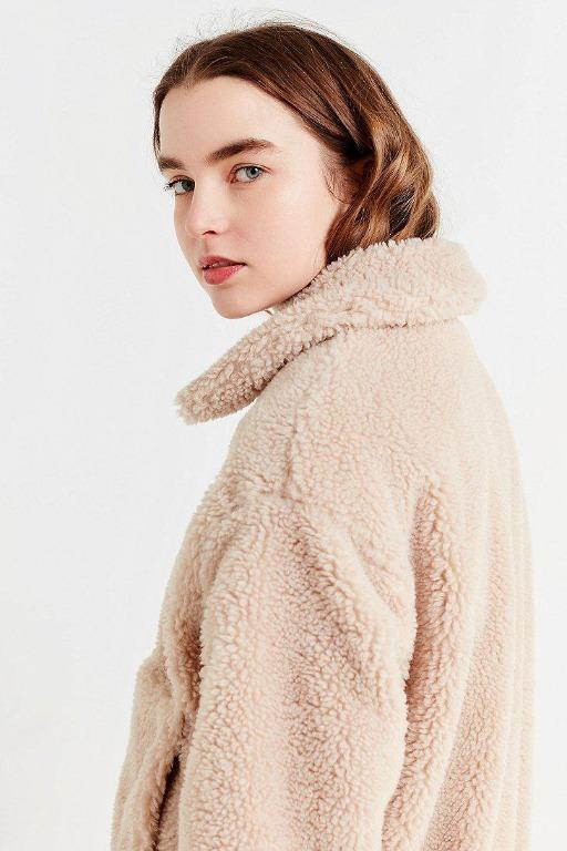 Urban Outfitters Women's Natural Cropped Fuzzy Jacket. RRP$120
