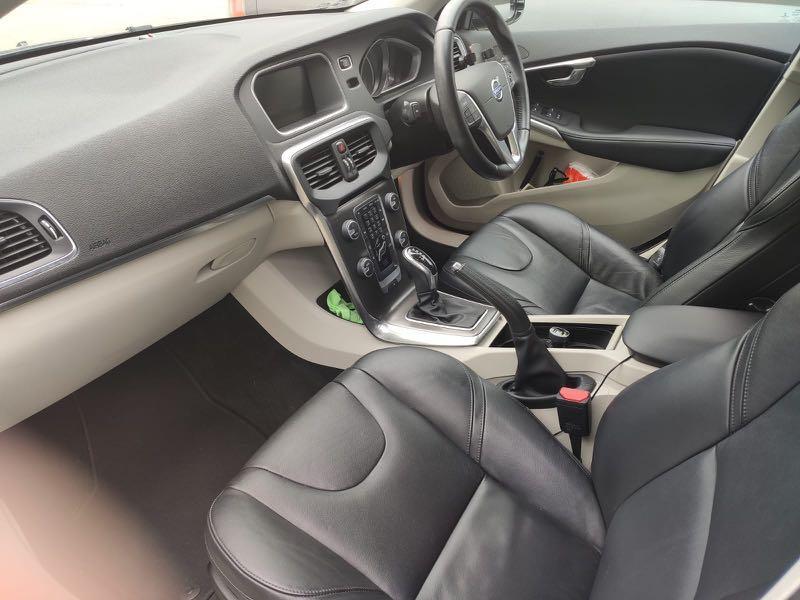 Volvo V40 T4 (A)