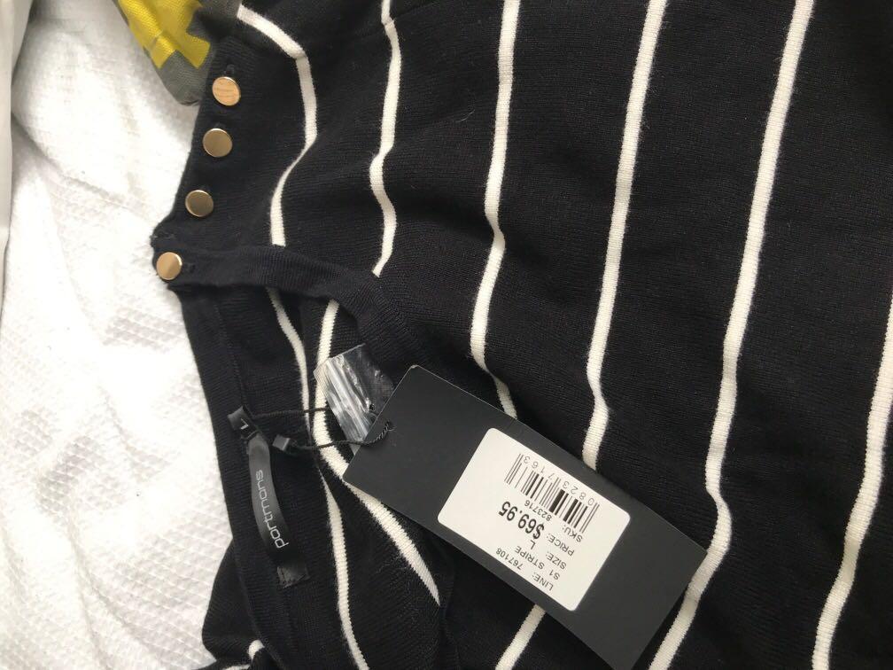 BNWT Portman's jumper Wight gold buttons on left shoulder