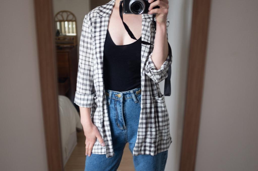 Glassons Linen blend B&W Check Summer Blazer. Size 8 (AUS)