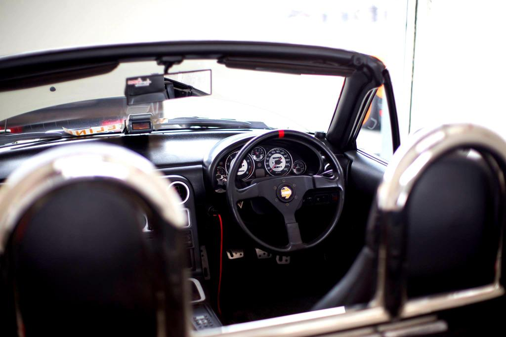 Mazda MX-5 Miata (Eunos Roadster) 1.6MT Manual