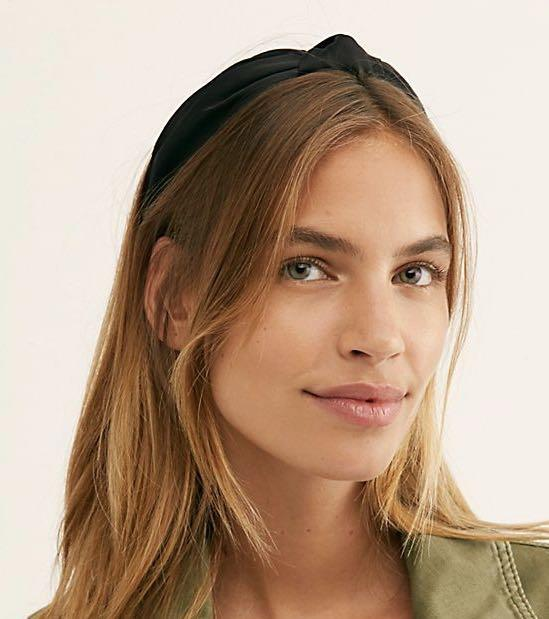 Trendy black and gold knotted hairband, revolve, free people, urban outfitters dupe
