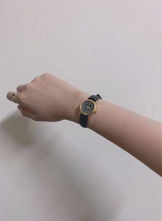 實戴 Casio 卡西歐 復古 黑金 手錶