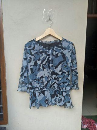 Blouse vintage blue floral sheer #awal2020