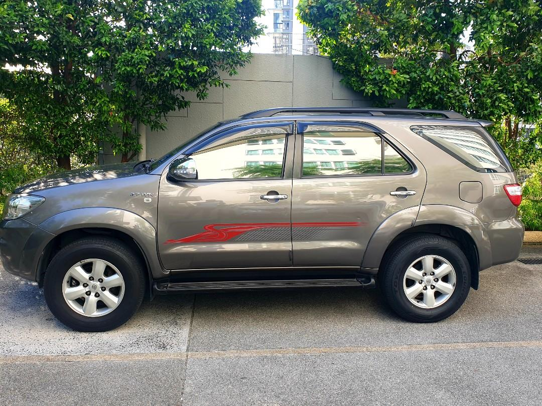 Expat low Mileage Fortuner 2010 2.7 (toyota service)