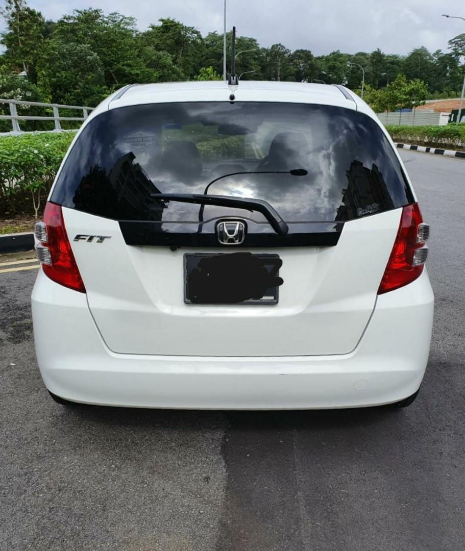 Honda Fit 1.3 with moon roof and 10.1 inch infotainment nice and fuel economical