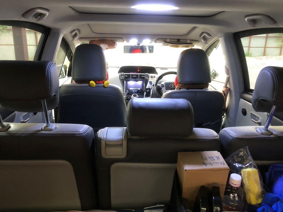 Toyota Prius V Auto