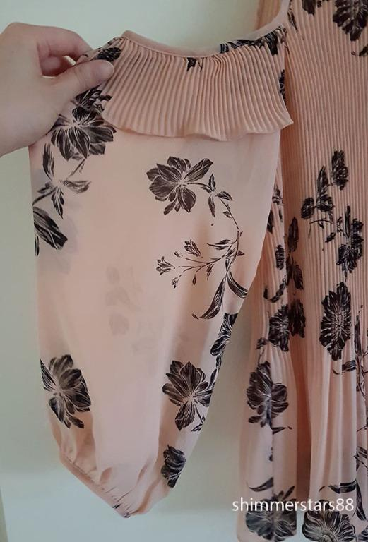 Wichery Cold Shoulder floral pleated blouse top, RRP$129.95