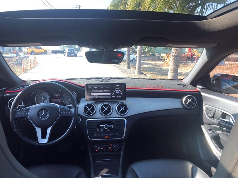 賓士 Mercedes-Benz CLA250