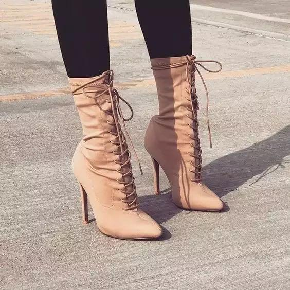 BRAND NEW Apricot / Beige Lace Up Pointed Toe Ankle Boots Size 9