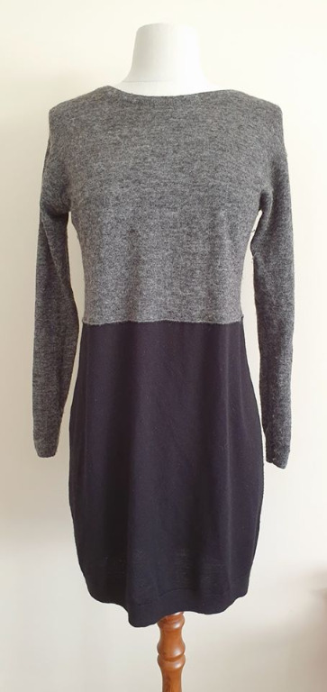 size 6 vgc witchery long length grey black wool sweater