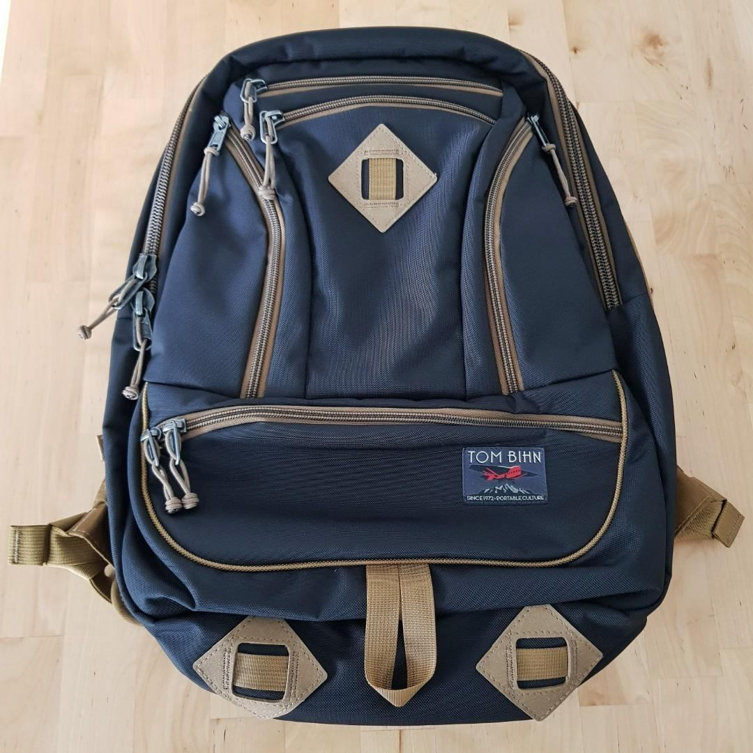 TOM BIHN *Made in USA* Guide's Edition Synapse 25 Backpack & Large Travel Tray
