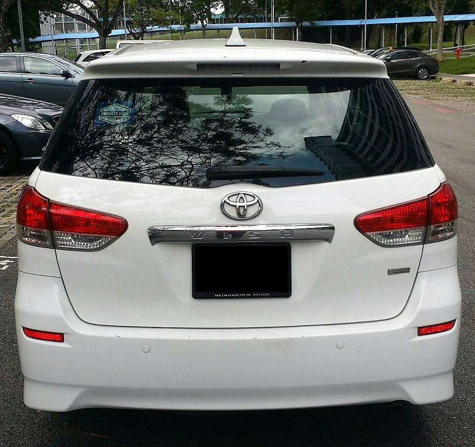 Toyota Wish 2.0 (7 Seater MPV)