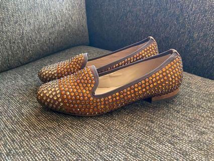 """Brand new """"To Be Loved"""" loafers: size 6"""