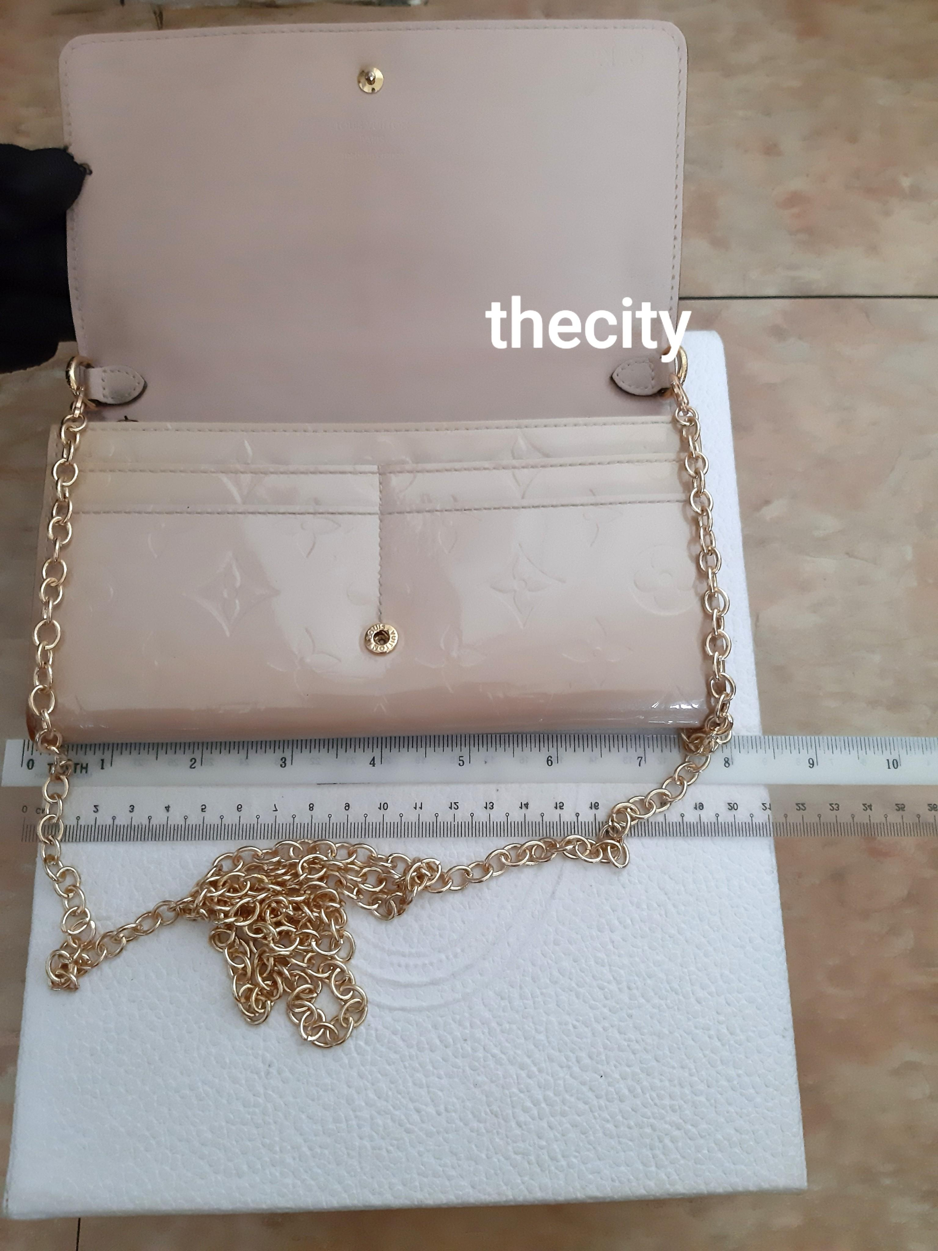 AUTHENTIC LOUIS VUITTON SHINY PATENT LEATHER VERNIS MONOGRAM WOC / SLING BAG- CLEAN INTERIOR - DATECODE: TN 3193 - GOLD HARDWARE - NEWLY ADDED CHAIN- IN GOOD CONDITION- (RETAILS AROUND RM 5000+