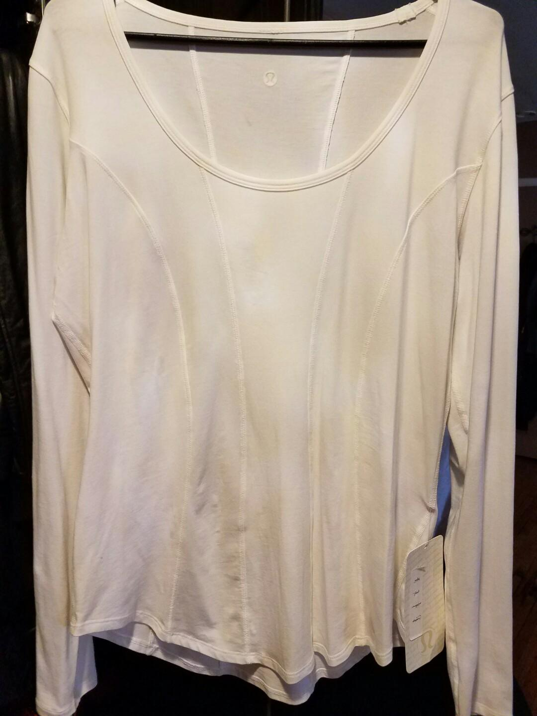 Ladies white Lululemon top size xl brand new with tags