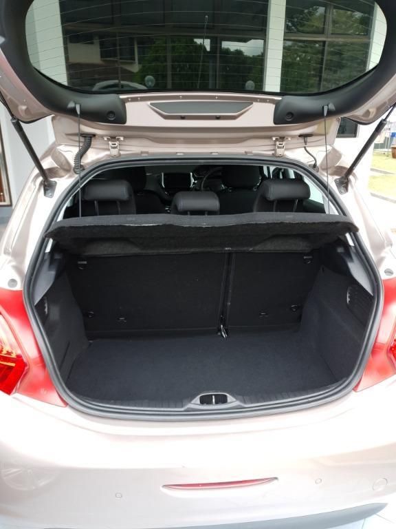 Peugeot 208 1.6 Allure Hatchback (2013)