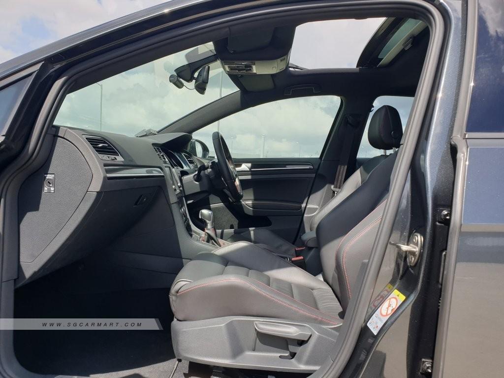 Volkswagen Golf 2.0 GTI TSI (A)