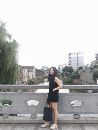 小黑背心連身裙