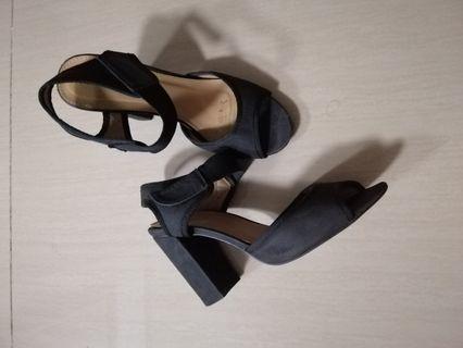 Parisian Black with heels