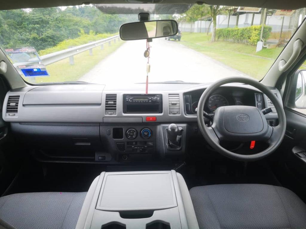 2010 Toyota HIACE 2.5 FACELIFT (M)  B/L LOAN KEDAI