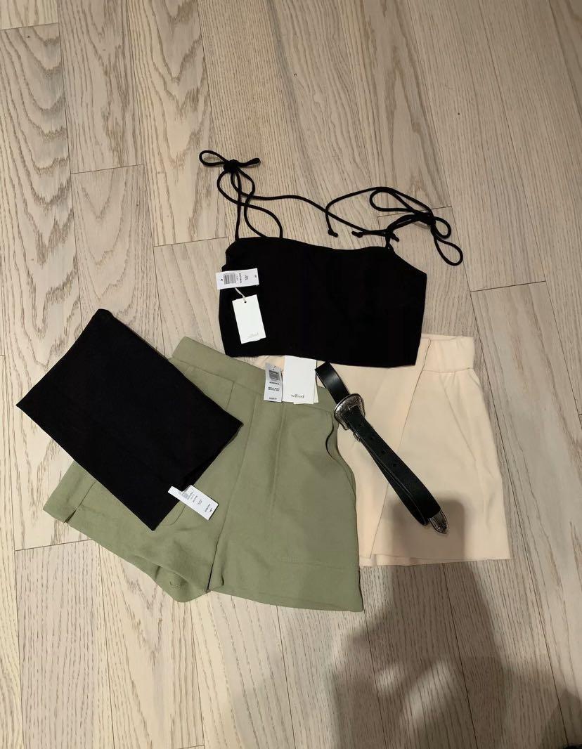 5 ITEMS from Aritzia: shorts, skirt, belt, top SIZE: xs, XXS.