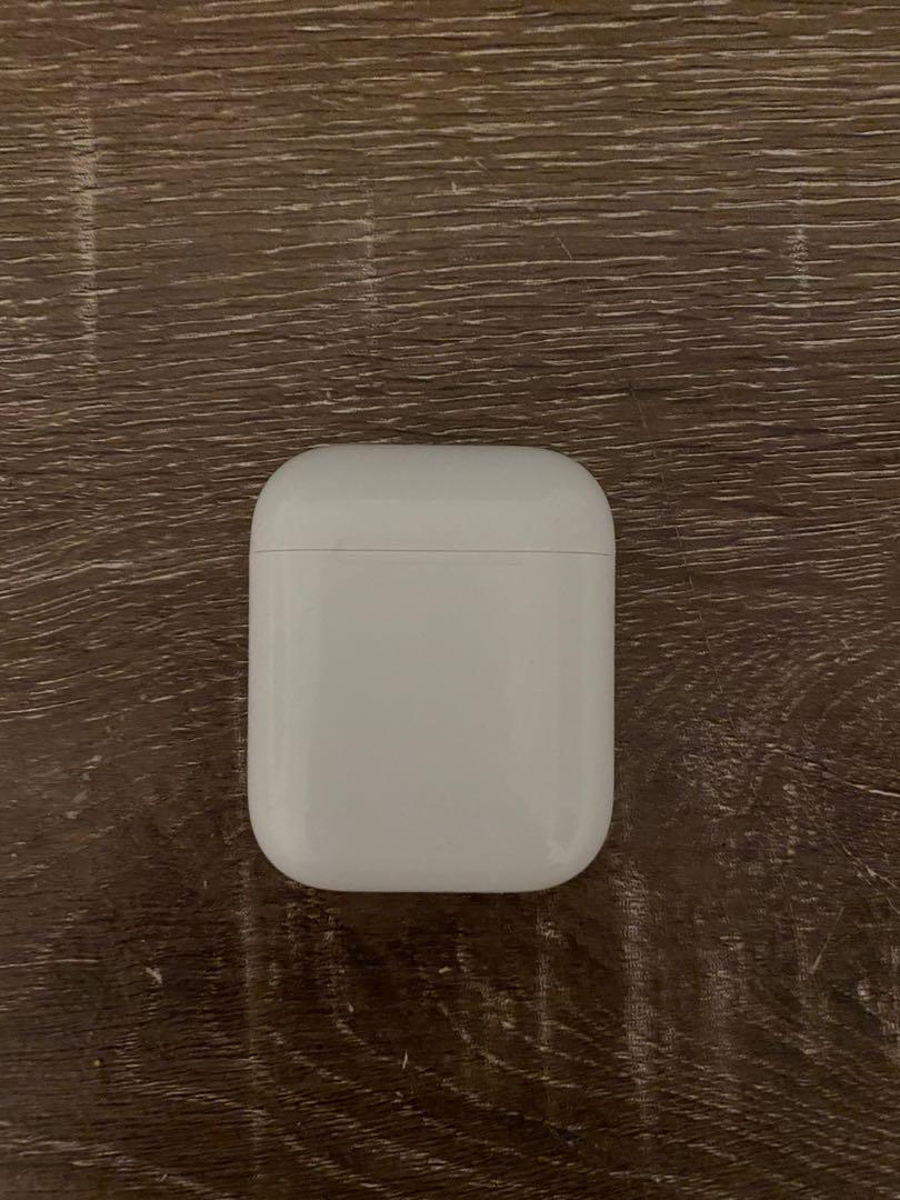 Apple AirPods V2 used without the right AirPod 9/10 condition