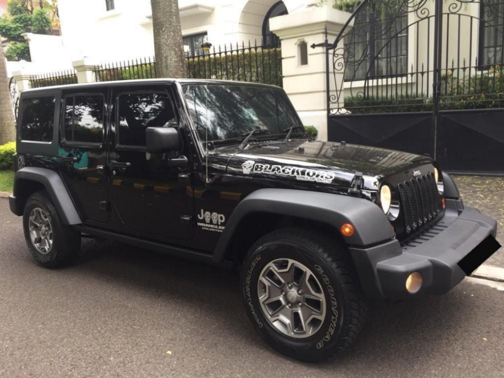 For SALE Jeep Wrangler Rubicon 3.6. 4X4 WD. Thn Pemakaian 2014.. Limited Edition. Mulus Terawat. KM 12rb an.