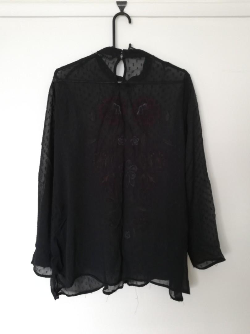 M - Zara Woman - Black Loose Semi-Opaque Flower Detailed Black Long-Sleeve Top
