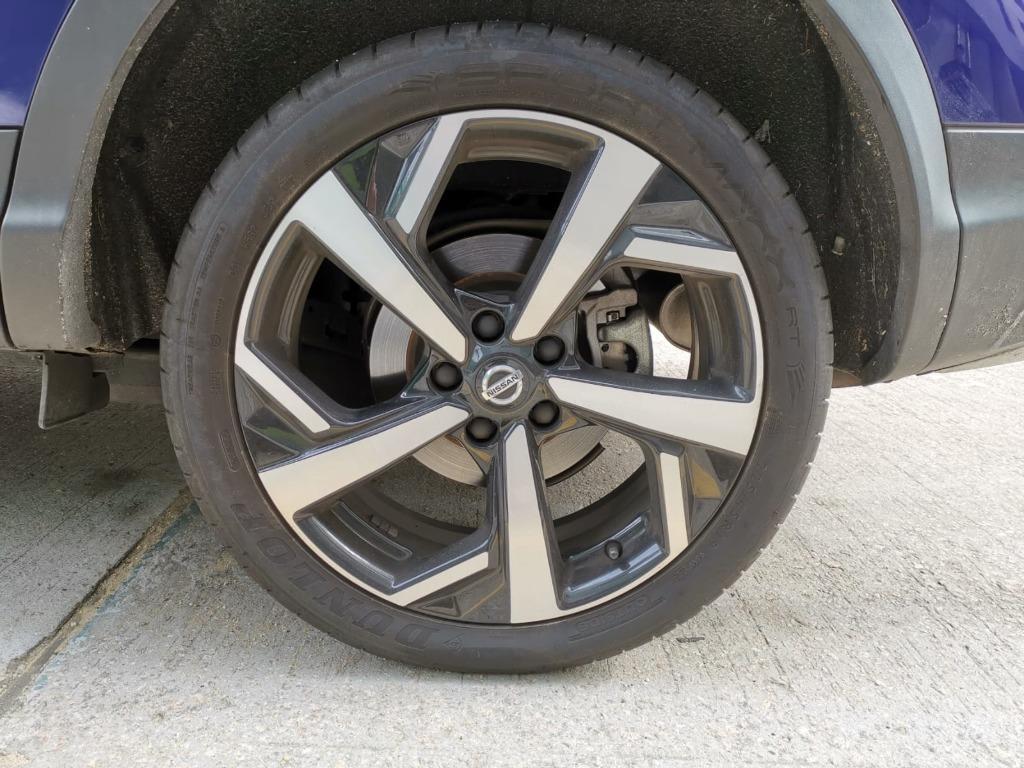Nissan Qashqai PLUS Auto