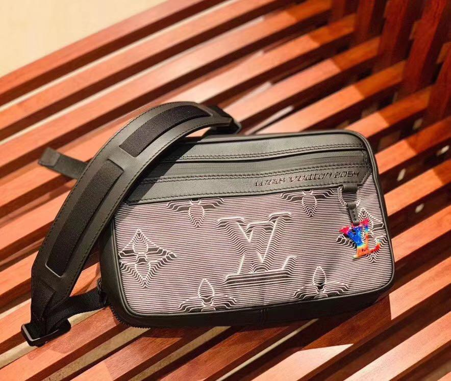 🧧🎉PRE-ORDER🎉🧧100% AUTHENTIC NEW 2020 LOUIS VUITTON COLLECTION 2054 CAMERA BAG